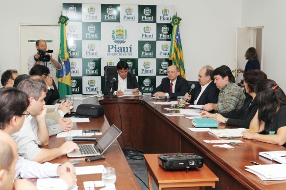 Kamaju Mudas e Projetos: NOTÍCIAS: GOVERNADOR DO PIAUÍ RECEBE EMPRESÁRIOS DO SETOR FLORESTAL