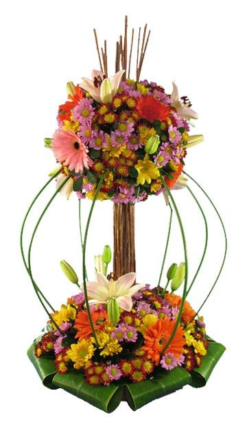 elegante arreglo floral con variedad de flores tropicales en forma de arbolitou