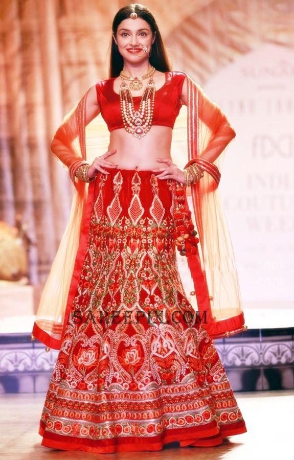 Divya-khosla-Rajasthani-bridal-ICW-2016