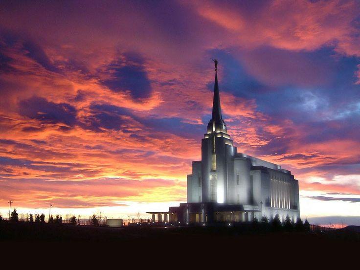 Rexburg Idaho Has Is A Gorgeous Temple