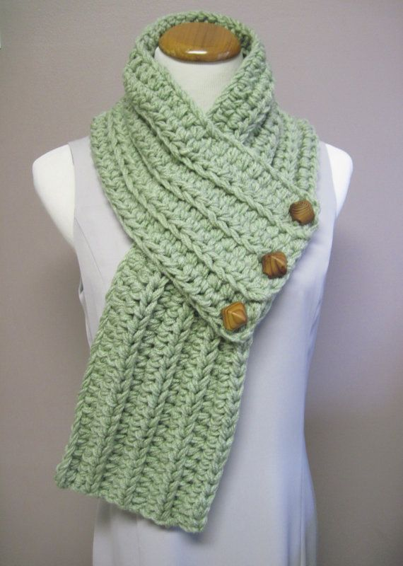 Chunky Bulky Button Crochet Scarf - Moss Fern Green with Wood Beads