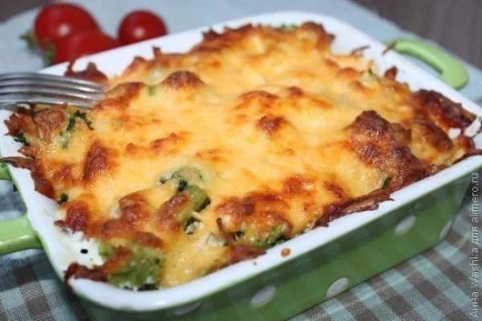 Курица с брокколи, запеченная под сливочным соусом | Про рецептики - лучшие кулинарные рецепты для Вас!