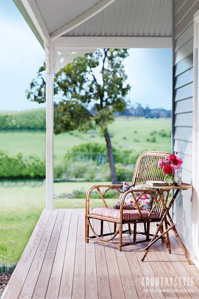 Country Style Magazine. Photography Lisa Cohen, styling Geraldine Muñoz #veranda #quietcorner