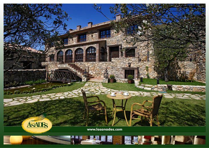 """""""Tan lejos, … tan cerca"""". En la Serranía de Guadalajara, muy cerca del Parque Natural del Alto Tajo. Podemos caminar o montar en bici casi en soledad.Nuestro """"Espacio del Agua"""" SPA, es la """"Joya de la Corona"""" de nuestras instalaciones. Se trata de una casa rehabilitada que, en unos 60 m2 aprox, dispone de Sauna, Baño de Vapor, Jacuzzi, Tumbonas Calefactadas y Tumbonas normales."""