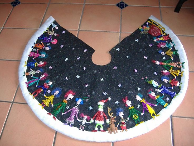 The Grinch Christmas tree skirt by leslie twells