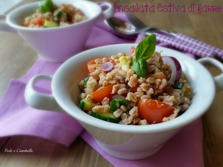Quando il caldo la fa da padrone, l' insalata estiva di farro è il piatto giusto!