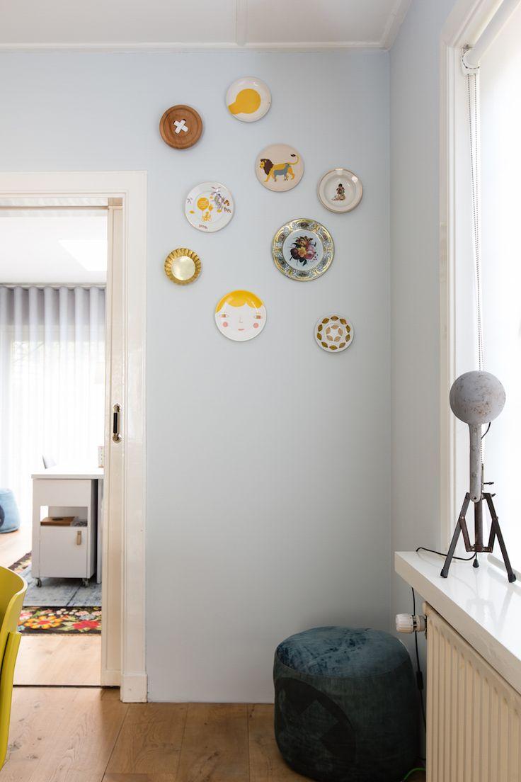 Een leuke manier om die mooie bordjes onder de aandacht te brengen weer verliefd op je huis - Muur hutch ...