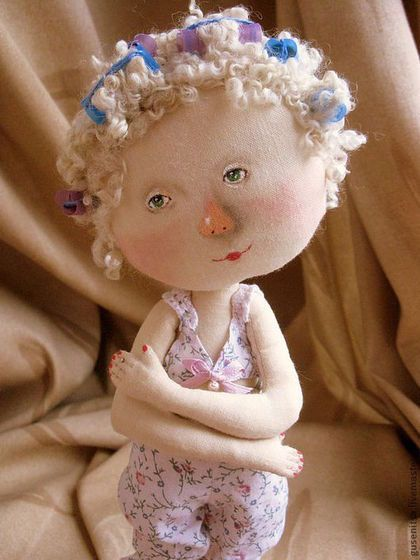 Купить или заказать Моя богиня... в интернет-магазине на Ярмарке Мастеров. Куколка по мотивам картины Е. Гапчинской 'Моя богиня'. Пересылка по Украине бесплатная. Подставка входит в стоимость.