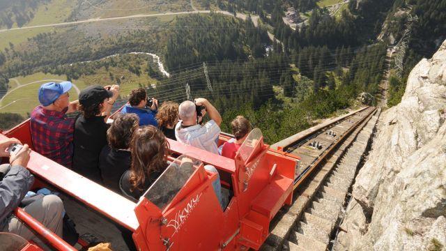 Gelmerbahn – steil zum Gelmersee - Schweiz Tourismus