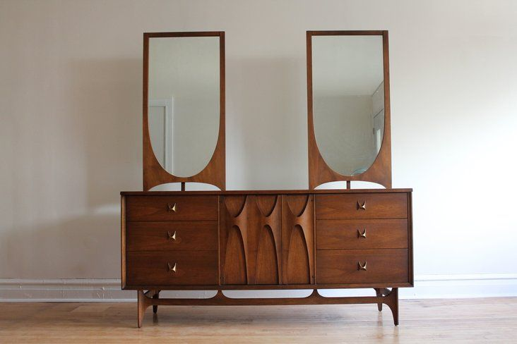 Broyhill Brasilia MCM Bedroom Set in 3726 West Montrose Avenue, Chicago, IL 60618, USA ~ Krrb Classifieds