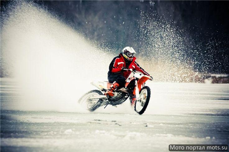 Зимний мотокросс