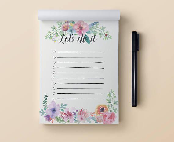 SimplePlanCo präsentiert eine to do Liste Editor, um die tägliche Aufgaben zu verwalten. Sie können die Karten nach jedem Tag abreißen. Perfekt für den täglichen Aufgaben, aber gut für die Einkaufsliste sowie. NOTIZBLOCK SPEZIFIKATIONEN *** • Größe: A6 - 10,5 x 14,8 cm (4,1 x 5,8