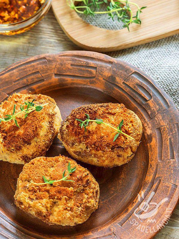 I Falafel al forno sono polpette che in genere vengono realizzate con i ceci, ma potete usare anche altri legumi. Un piatto mediorientale davvero goloso.