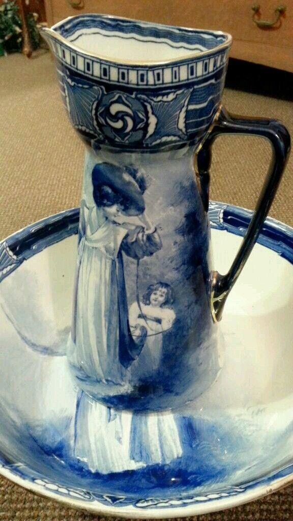 Royal Doulton Aubrey Flow Blue Babes In Woods Water