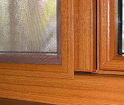 Okná so sieťkami proti hmyzu sú najmä na leto must have produktom. Veď, kto by nemiloval večerné čítanie pri otvorenom okne?   :)