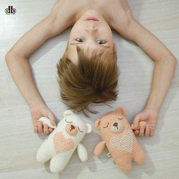 124 отметок «Нравится», 1 комментариев — коврики | игрушки | ловцы снов (@double_bauble) в Instagram: «Всего ✌! Да, дорогие друзья, из целой коллекции наших очаровательных 🐻 мишек-сплюшек осталось всего…»