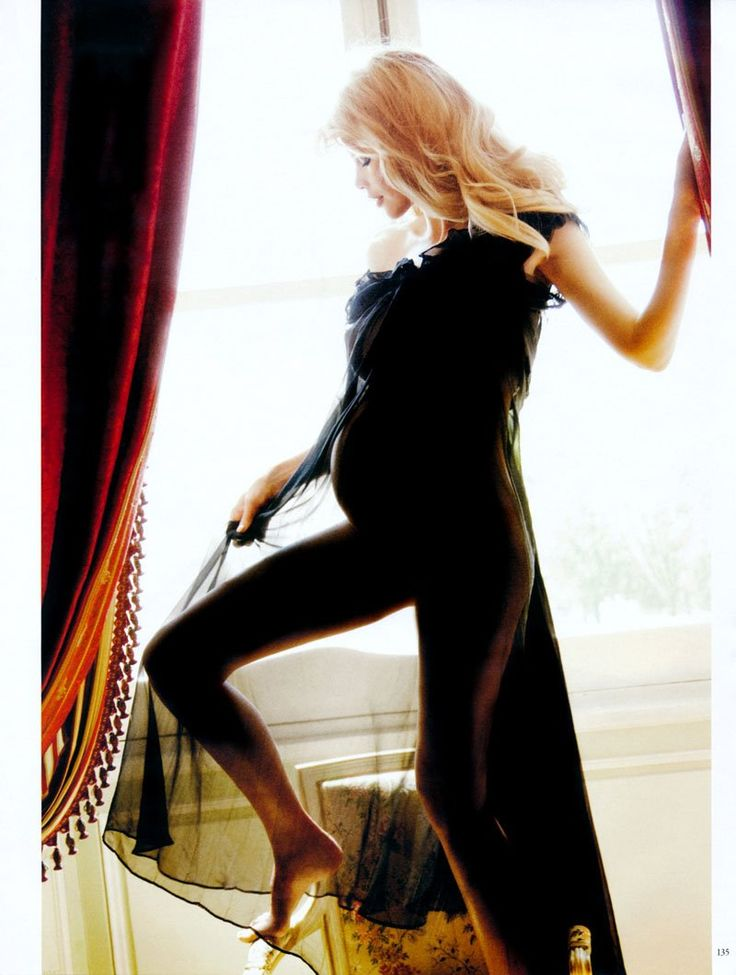 Pregnant Claudia Schiffer photographed by Ellen von Unwerth and styled by Christiane Arp & Nicola Knels