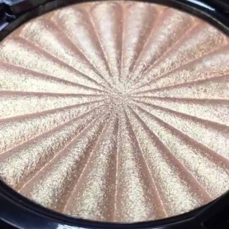 Sneak peak of the new @ofracosmetics Highlighter Rodeo Drive launching soon…