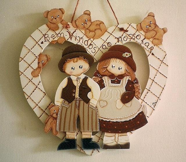 placa bem-vindos coração casal com ursos - pintura em madeira by Karín Artesanato, via Flickr