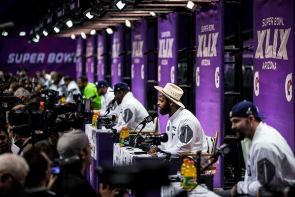 Just your usual SB Media Day with erotica, salsa dancing, karaoke and celebrity crushes. Read the SBXLIX Media Day: Rob Gronkowski and Richard Sherman Highlights at www.girlslovethegame.com #NFL #Superbowl #Fun #Football #Gossip #News #Gronkowski #sherman #Patriots #Seahawks
