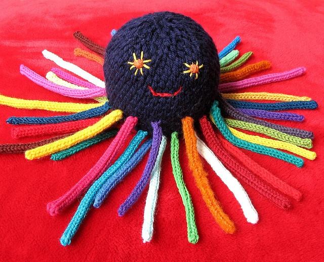 French knitting octopus...make body on round flower loom