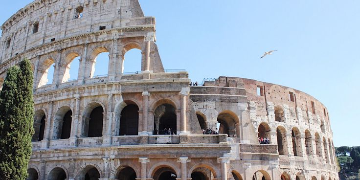 Colosseum in Rome Italy - a must Visit!