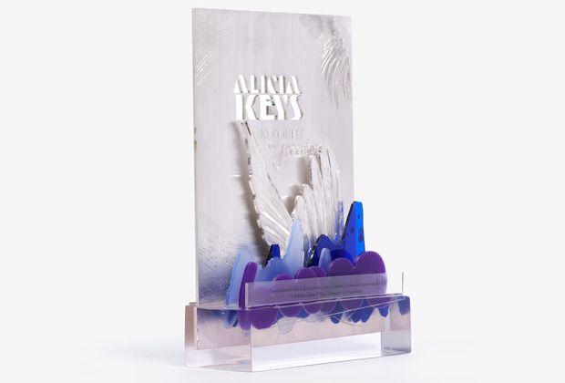 award_04_low.jpg, Laser_cut_acrylic_sparks_studio_alicia_keyes award_cutlasercut