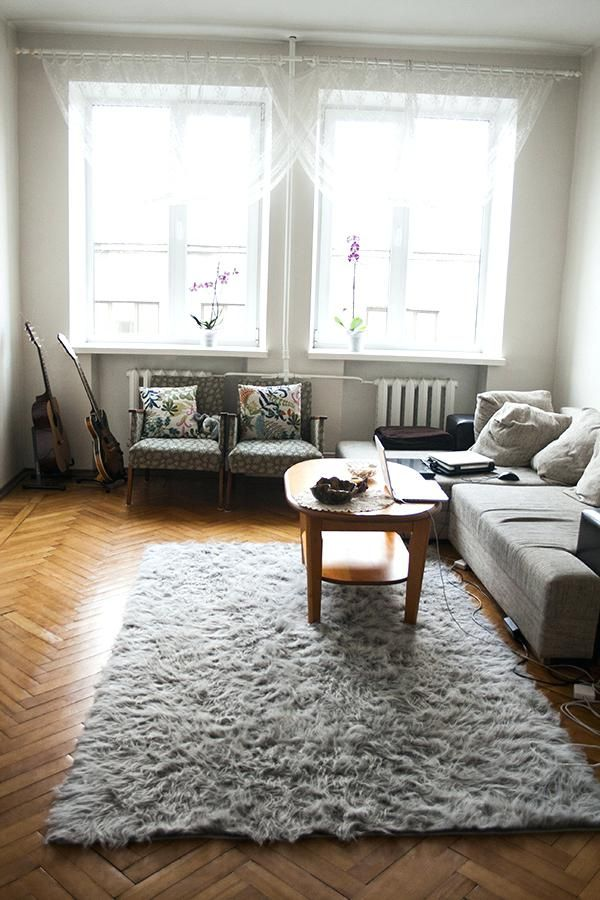 How To Arrange Furniture In A Small Living Room Horror Underground Small Living Room Furniture Rugs In Living Room Living Room Carpet