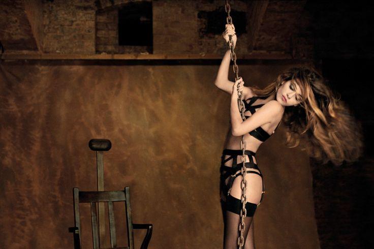 Горячая Моника Крус в рекламе нижнего белья от «Agent Provocateur»