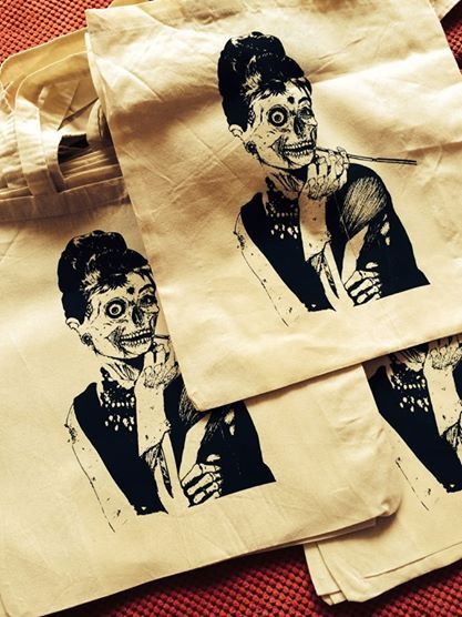 Płócienne torby z nadrukiem już wróciły na Chmielną. Zapraszam.
