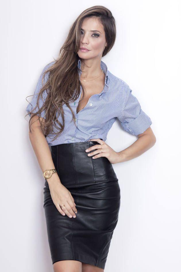 Upskirt falda larga madura - 2 9