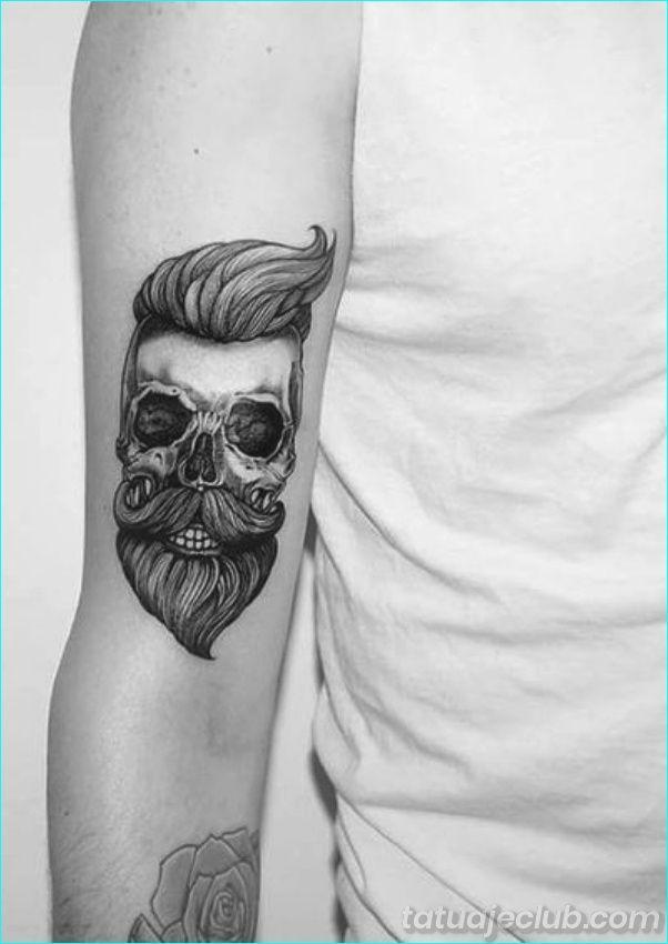 40 Disenos De Tatuajes Pequenos Para Hombres Con Significados Profun Tatuaje Pequeno Para Hombre Tatuajes Pequenos Para Chicos Disenos De Tatuajes Para Hombres
