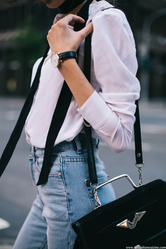 70s-skinny-scarf-white-blouse-cheapmonday-mom-jeans-outfit-details-fashion-blog