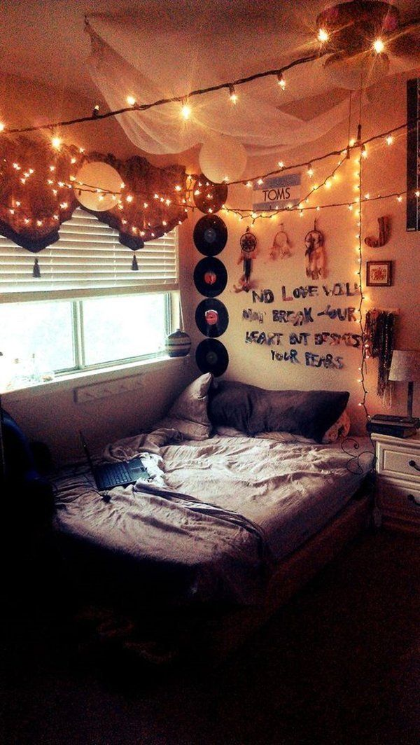 23 Restful And Comfy Bedrooms With Grunge Style Grungebedhead Grungebedding Grungebedroomdecor Grungebedroomideas Grunge Bedroom Indie Bedroom Indie Room