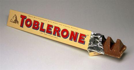 Toblerone: dentro de la montaña del logotipo nos encontramos con un oso, ¿lo encuentra?