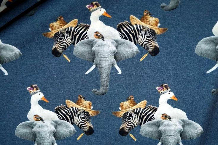 Stenzo17 3832-15 Tricot digitaal olifant/zebra/gans blauw