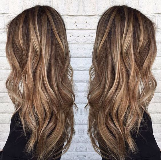 Blonde highlights on medium brown hair.   By @sarah_peck  #brunettewithhighlights #brownhairwithhighlights:
