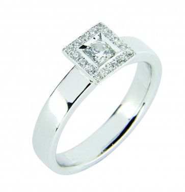 #Vihkisormus - St Paul - #MalminKorupaja. #Timanttisormus, #valkokulta. #Diamond #ring by Malmin Korupaja. #Wedding ring, #whitegold.