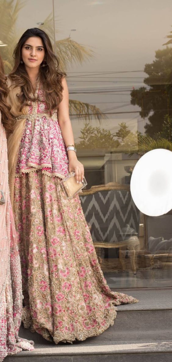 Playing Dress Up with Sana Safinaz: