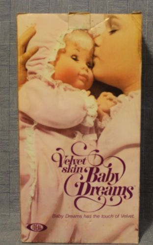 The Ideal Wardrobe: 1975 Ideal Velvet Skin Baby Dreams Doll W/box, Outfits