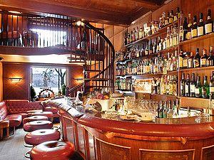 Hotel Fairmont Vier Jahreszeiten Hamburg: Bar