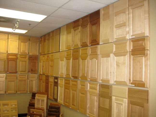 kitchen cabinet showroom how to hang the cabinet doors showroom samples 2758