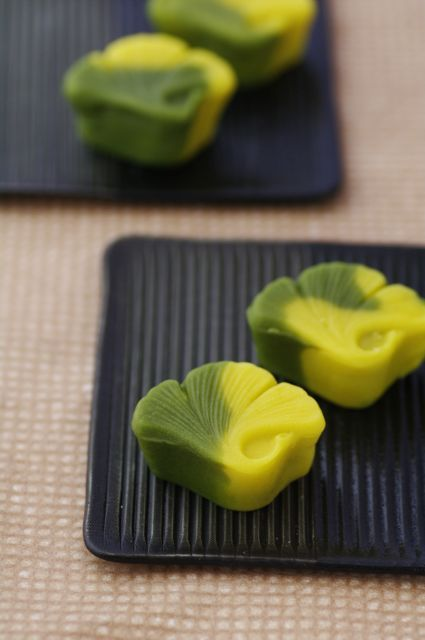 Wagashi shaped like a gingko leaf for Fall.