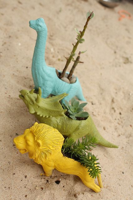 #DIY use plastic toy animals as planters