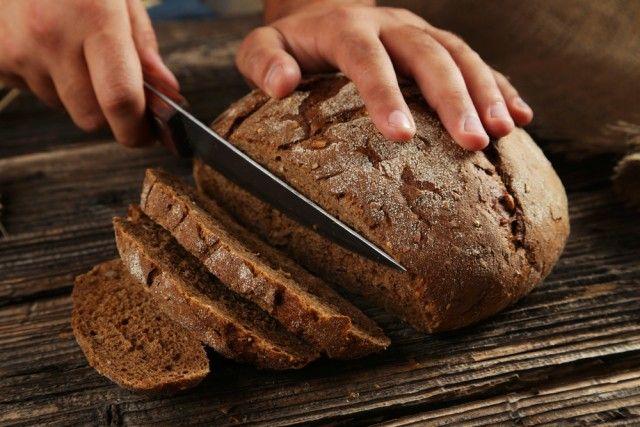 Pane di segale con miele, la ricetta per una prima colazione ideale