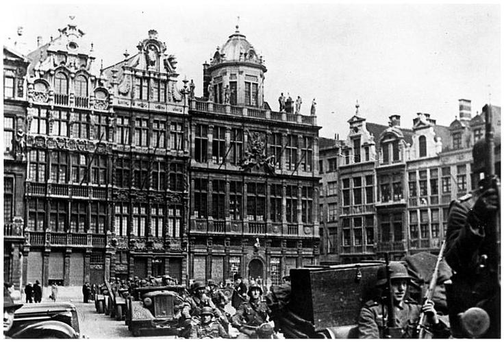 Deuxième Guerre Mondiale, mai 1940 Grand-Place - Tweede Wereldoorlog, mei 1940 Grote Markt - Second World War, May 1940