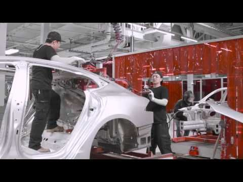 90 second tour around the Tesla Factory - YouTube