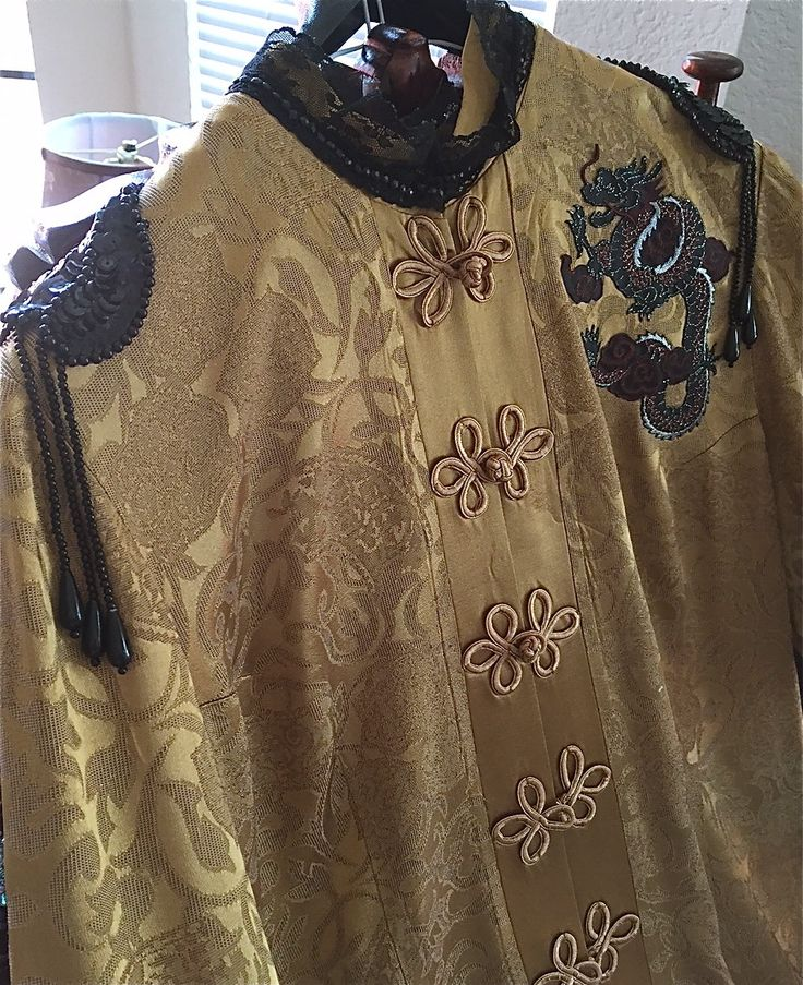 Vintage Mystic Shanghai Oriental coat Penny Dreadful style w/ the Scorpion sign! Gold with black lace trim! GORGEOUS. Size 14 bust 36-42 by ADivineRomantic on Etsy
