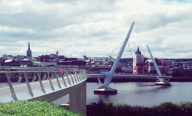 xPeace_Bridge_Derry.jpg.pagespeed.ic.E00CCUVW-q.jpg (672×406)