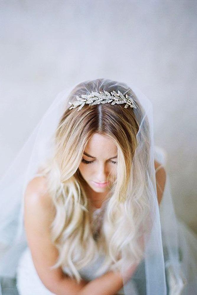 30 Beautiful And Simple Wedding Hairstyles Wedding Forward Bridal Hair Down Veil Hairstyles Bridal Hair Headpiece